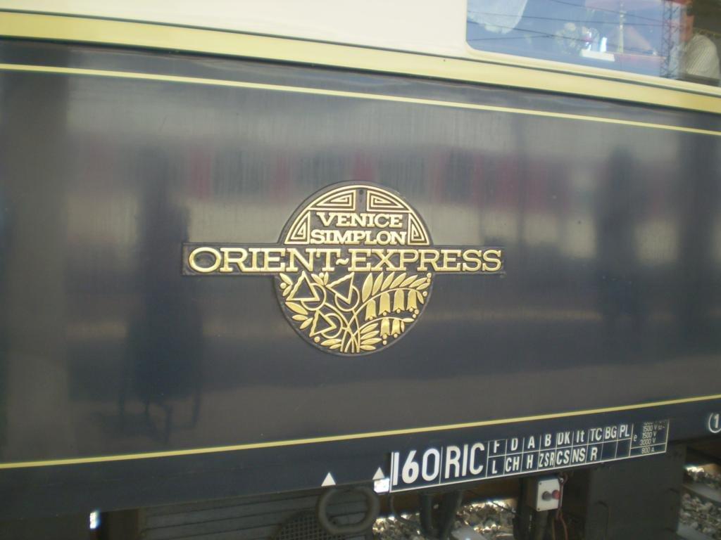http://railfaneurope.net/pix/CIWL/Pullman/Cote_d_Azur/orient_express_6.jpg