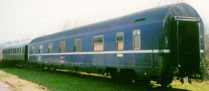 http://railfaneurope.net/pix/ch/SBB_CFF_FFS/car/night/WL/MU/SBB_WLMU.jpg