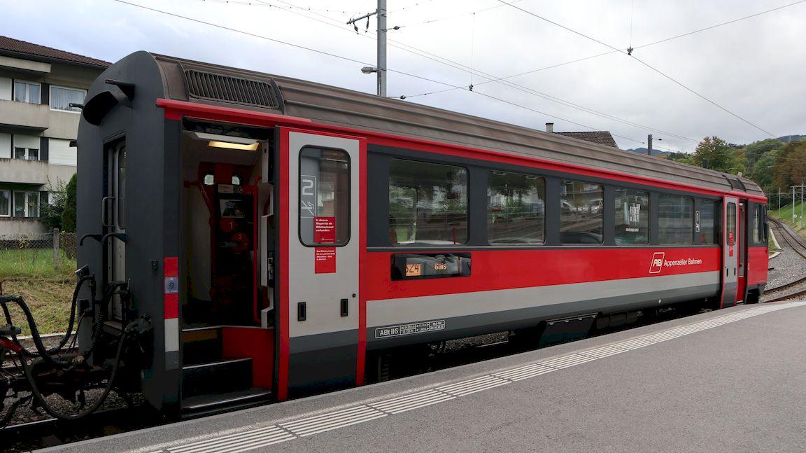 http://railfaneurope.net/pix/ch/narrow_gauge/AB/car/ABt/116-117/AB_116_alst2.jpg