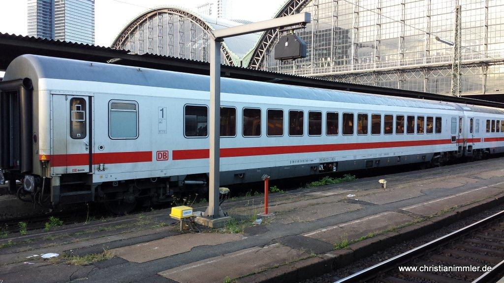 http://railfaneurope.net/pix/de/car/IC%2BIR/Apmz/1310131744_IC_Frankfurt.jpg