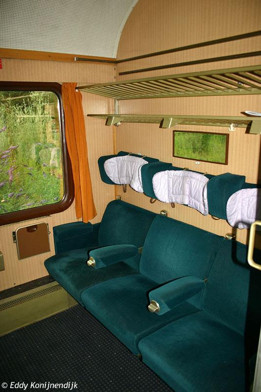 http://railfaneurope.net/pix/de/car/IC%2BIR/Avmz/111-109/interior/050723-52.jpg