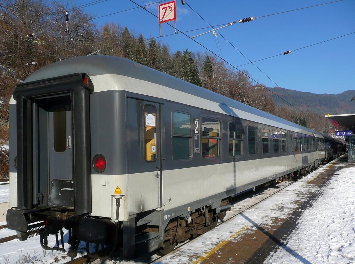 http://railfaneurope.net/pix/de/car/IC%2BIR/Bim-Bimz/black-white/56_80_22-94_030-4_Leb1.jpg
