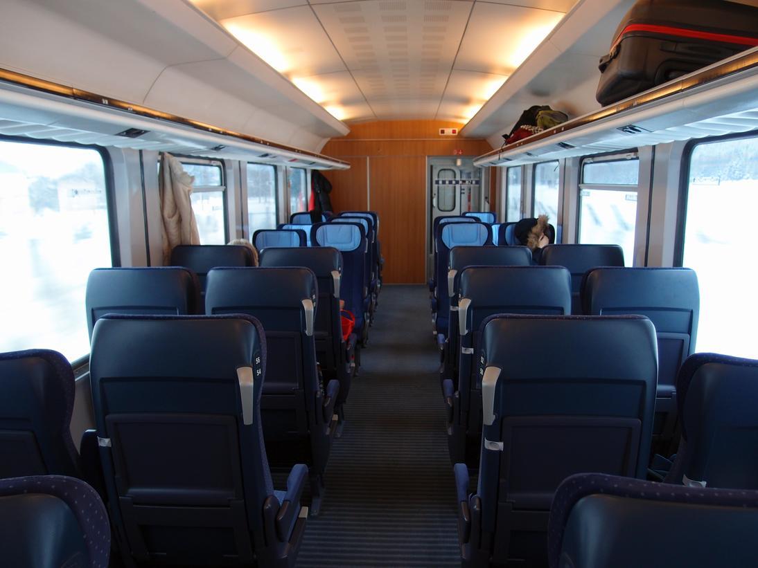 http://railfaneurope.net/pix/de/car/IC%2BIR/Bpmbdzf/interior/61_80_80-91_118-2_i4.jpg