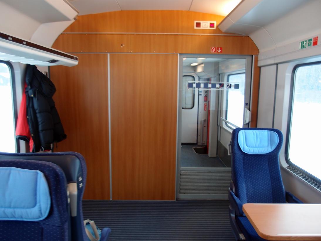 http://railfaneurope.net/pix/de/car/IC%2BIR/Bpmbdzf/interior/61_80_80-91_118-2_i5.jpg