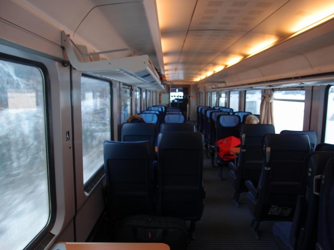 http://railfaneurope.net/pix/de/car/IC%2BIR/Bpmbdzf/interior/61_80_80-91_118-2_i6.jpg