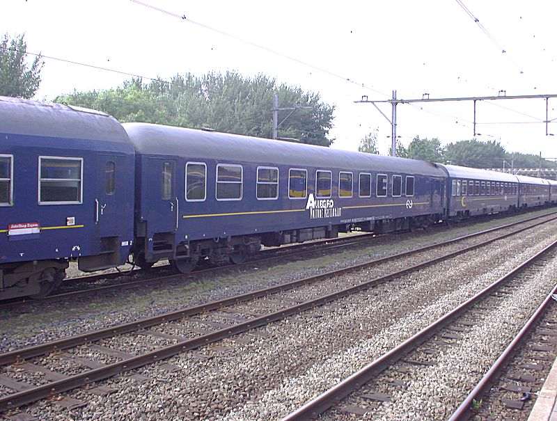 http://railfaneurope.net/pix/nl/car/restaurant/ns_restaurant_gdm.jpg